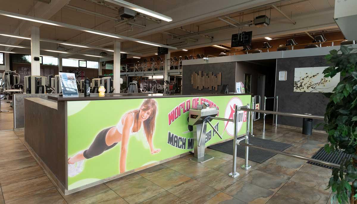 Eingang Fitnessstudio Bodyfit Oberasbach